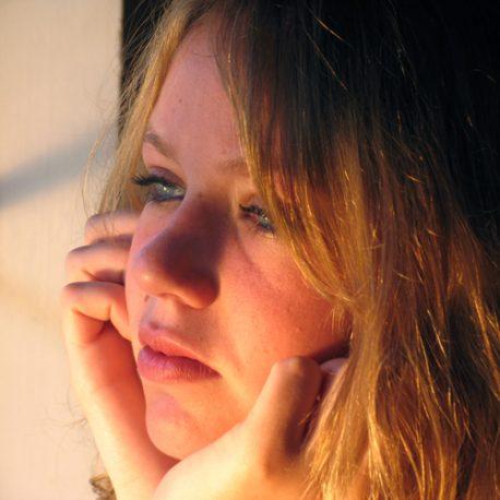dreaming-girl.jpg